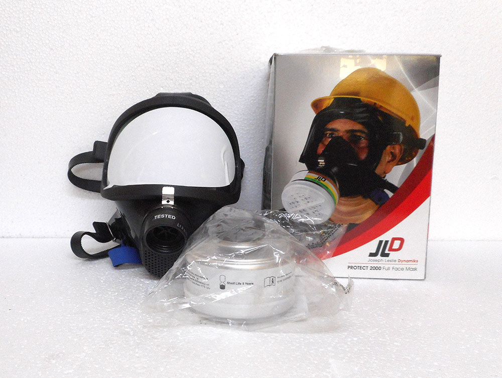 Breathing Mask with Canister Model-1